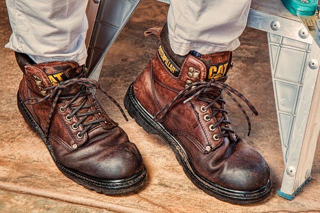 ブレイクダンスの靴にブーツはNG
